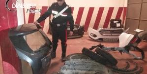 Trasportava pezzi di auto rubate in un furgone: arrestato 25enne