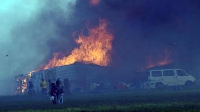 Paura nel ghetto di Rignano: barracche distrutte e un ferito
