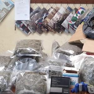 Blitz dei Carabinieri sul promontorio del Gargano: rinvenuta droga, armi e munizioni